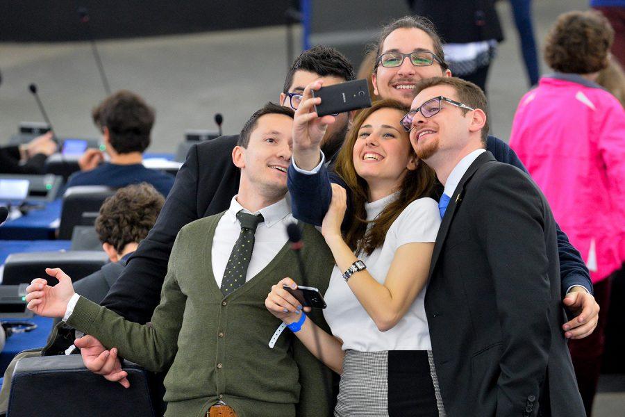 don't Lesbische reife Ficken und Reiten Gesicht married committed someone else
